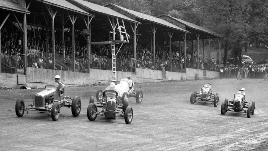 Sprint cars in action at Jungle Park. Image courtesy of the IndyStar